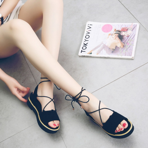 Tied sandals, the temptation of the bundle makes you passionate